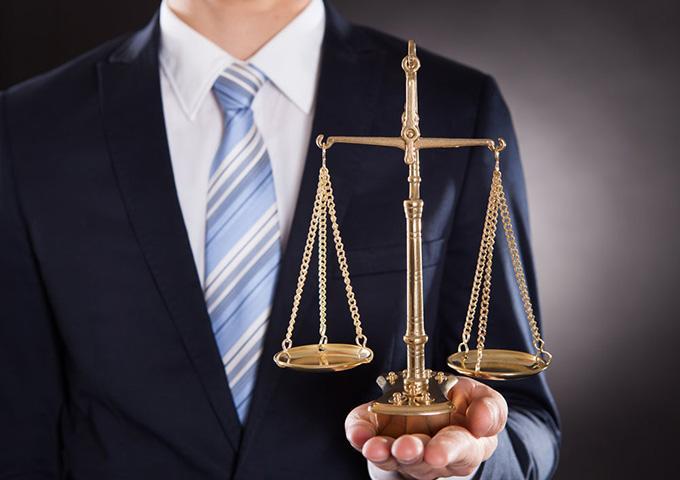 涉嫌詐騙罪被批捕 陳律師成功爭取到不起訴決定